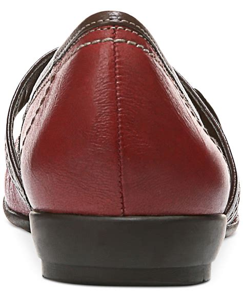 Lyst - Naturalizer Garrison Flats in Red