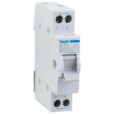Hager CHANGEOVER SWITCH SF219 24A 415VAC 2-Poles, Center