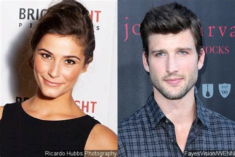 'Arrow' Casts Oliver's and Thea's New Love Interests for